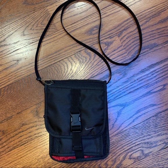 Nike Handbags - Nike Cross Body Bag/Purse/Mini Bag NWOT